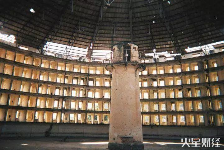 """无尽的环形监狱:从美国历史上三次""""隐私事件""""看今天"""