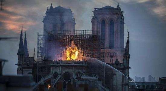 巴黎圣母院计划重建,并接受加密资产捐赠