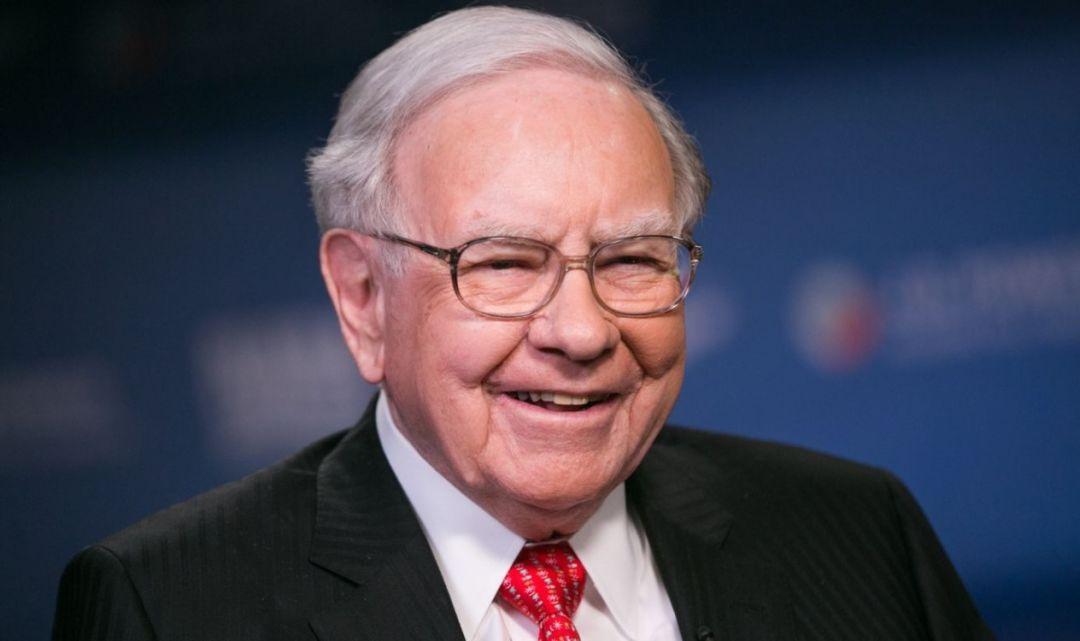 巴菲特:希望苹果股价下跌、比特币是赌博、想活得更久