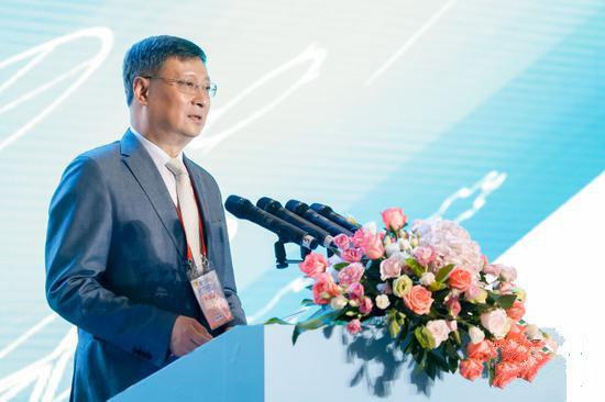 中国银行前行长李礼辉:在规模化的商业应用中,区块链技术平台必须与现有信息技术平台链接